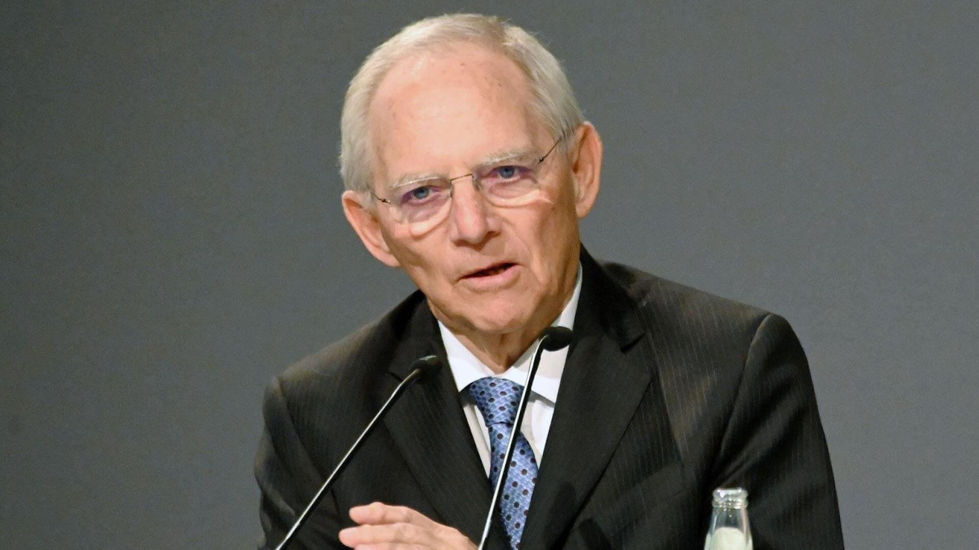 Dr. Wolfgang Schäuble im Interview